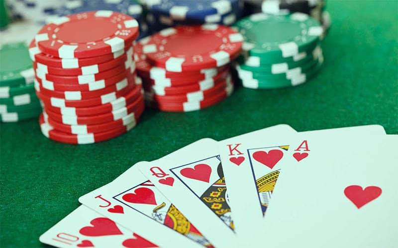 Playing Online Casino01