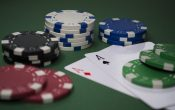 What are the Advantages and Disadvantages of Playing Online Casino?