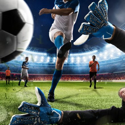 Online Football Betting Vs. Offline Football Betting