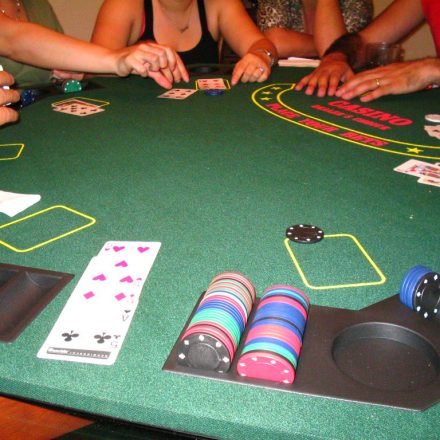 Get To Know About Most Popular Poker Variations!